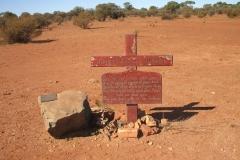 Day 12 Past Wiluna grave 1